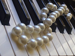 Piano & Pearls (marlenells) Tags: white black freeassociation topc25 topv111 1025fav wow wonderful necklace topv555 topv333 topv1111 topc50 topv999 piano 100v10f pearls topv777 twocolors 1000v 2000v