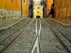 e os trilhos... (zenog) Tags: portugal lisboa eps1 l qs saudades trilhos elevadordabica