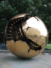 United Nations Sphere by Fran�ois @ Edito.qc.ca, on Flickr