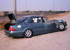 7th Ring, Mercedes S class (Psycho Milt) Tags: mercedes crash accident kuwait wreck carwreck