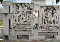 der Einzelne kann vernichtet werden... (davidharding) Tags: smoking germany europe chemnitz karlmarxstadt communism brecht bertoltbrecht