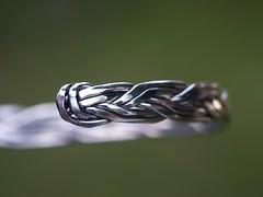 armband (wester) Tags: 15fav macro green topv111 510fav silver dof shine bokeh bracelet top20macroinanimate 110fav top20bokeh