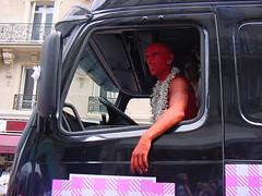 Gaypride 29/06/2002 (tofz4u) Tags: gay red paris tattoo truck rouge camion driver van trans bi manif manifestation tatouage chauffeur lesbienne percing fiert gaypride2002 flgbt