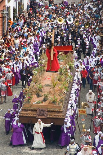 Semana Santa Elements: The Crowds