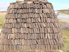 traditional crofting art! (howbeg) Tags: castles allan stack peat uist eachan