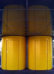 closed (Desideria) Tags: door blue abstract yellow azul architecture design bleu amarillo gelb round architektur portal blau abstracto rund tr aquitectura kongresshaus drehtr