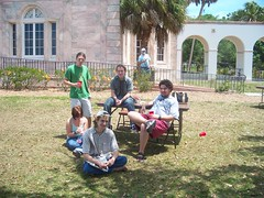Five members. (thinredjellies) Tags: college florida sarasota newcollege redcups collegehall ncf mooreapalooza