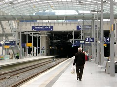 train station Cologne (CruisAir) Tags: architecture germany airport europe terminal db trainstation infrastructure deutschebahn eddk klnbonn cgn northrhinewestphalia colognebonnairport cruisair klnbonnflughafen cgncommunity