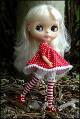 On Miss D's Walks (rockymountainroz) Tags: walk takara rbl squeakymonkey dollsville darlingdiva neoblythe fifthanniversarydoll thedivinemissd barbiemaryjanes
