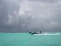 San Andres- Colombia (nunca morir) Tags: blue sea sky people colors clouds dark happy boat nice colombia waves photographer shadows good class diamond latin caribbean islan the sanandres