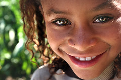 Still shining... (carf) Tags: poverty girls light brazil girl brasil kids children hope kid community support child risk naturallight forsakenpeople esperana social impoverished underprivileged afrobrazilian altruism eldorado shanty favela development prevention atrisk mundouno ranielle superbmasterpiece