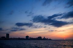 La Habana (R. Motti) Tags: ocean travel sunset pordosol sea cidade sun sol silhouette geotagged mar cityscape dusk havana cuba malecon viagem tarde motti oceano lahabana silhueta ciudaddelahabana sigma1770 geo:lon=82358504 geo:lat=23146185 ricardomotti