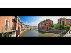 Panoramic View of Girona on a Sunny Day (see it FULL SIZE!) (ToniVC) Tags: city houses panorama canon river bravo searchthebest quality girona powershot gerona onyar magicdonkey a640 superaplus aplusphoto tonivc