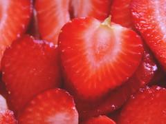 DW strawb slices (geo3pea) Tags: desktop red wallpaper strawberry berries strawberries tabletop challengeyouwinner