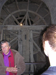 Tour guide and the wheel