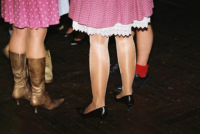 girls munich münchen oktoberfest hotgirls wiesn dirndl tracht löwenbräu nachtdertracht löwenbräuurtyp