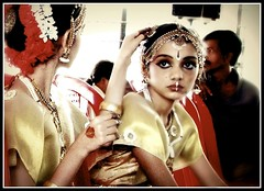 Finishing touch (Kshitij Thakur) Tags: india dance classical bharatanatyam panvel poorvam kalashruta