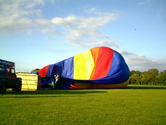 IMAG0195 (yxxxx2003) Tags: new blue red hot green air baloon ballon balloon milton keynes mk yello 2007 balon olney hotairballon yxxxx