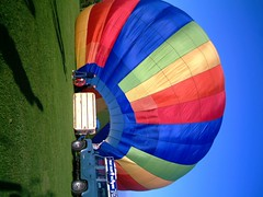 IMAG0208 (yxxxx2003) Tags: new blue red hot green air baloon ballon balloon milton keynes mk yello 2007 balon olney hotairballon yxxxx