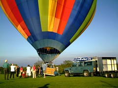 IMAG0215 (yxxxx2003) Tags: new blue red hot green air baloon ballon balloon milton keynes mk yello 2007 balon olney hotairballon yxxxx