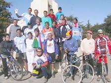 Grupo de participantes del desafio Hermanando Pueblos