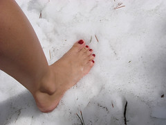 Snow!  We saw snow!  It felt good to freeze my feet.