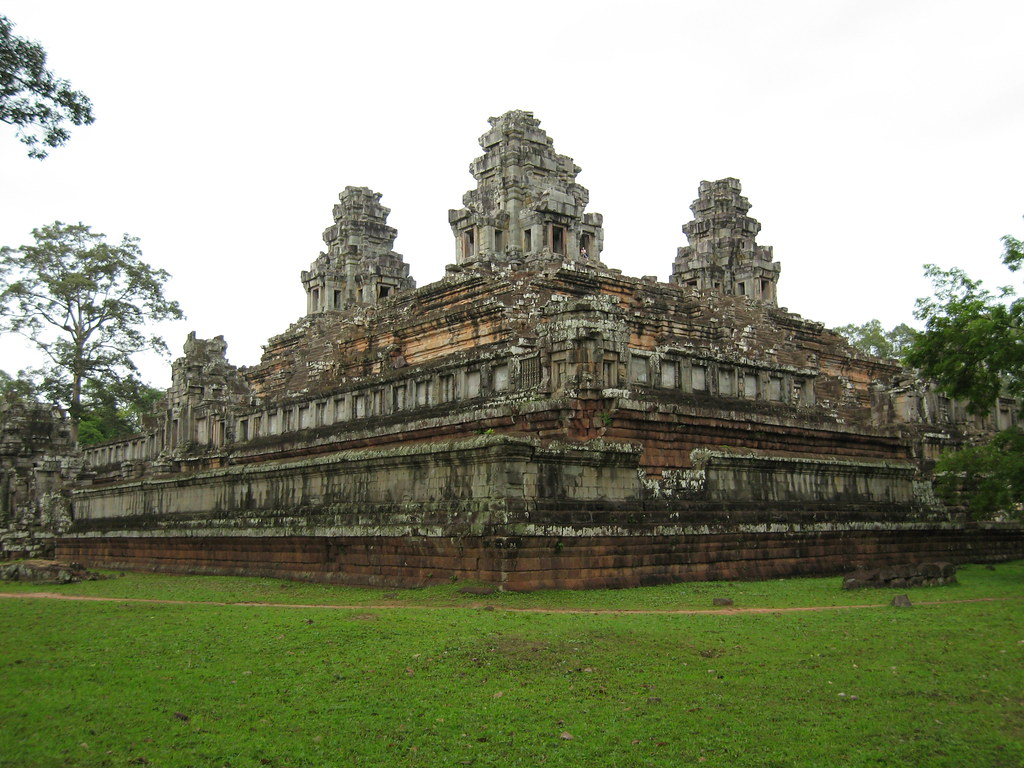 ComeFollowUs.com: The Temples of Angkor