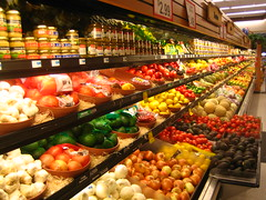 produce (rick) Tags: sanfrancisco vegetables fruit store market vegetable supermarket garlic produce 2007 delanos