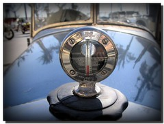 Temperature gauge (. SantiMB .) Tags: barcelona history classic cars vintage psp antique antiguos paintshoppro temperature gauge sitges historia coches mechanics rallye temperatura mecnica clsicos indicador abigfave colorphotoaward