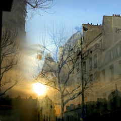 Paris, Place de la Bastille (Calinore) Tags: street city sunset paris france big reflet soir bastille iledefrance ville idf 11eme reflectionof xieme ejl abigfave onzieme 11emearrondissement ejl1 selectionneespargetty
