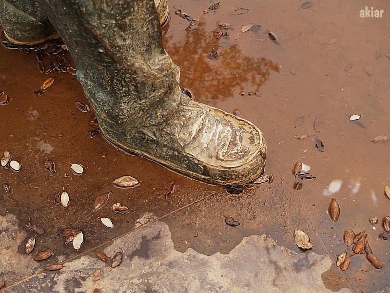 Con pies de ... ¿bronce?