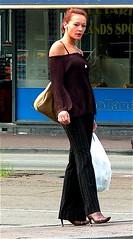 Three times a lady (Roel Wijnants) Tags: fotografie denhaag 2006 thehague set1 2007 hofstad straatfotografie straatfoto wijnants straatfotos roel1943 roelwijnants hofstijl roelwijnantsfotografie haagspraak
