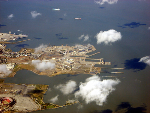 Anatomy of the Former Hunter's Point Naval Shipyard (2007) por Telstar Logistics.
