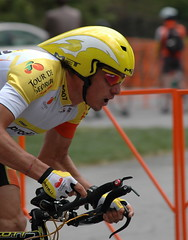 David Cañada in yellow