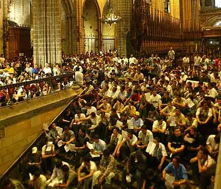 11_encierro_catedral_barcelona_5_6_2004