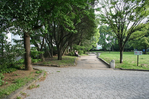 070505 park, elderly couple