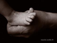 MOTHERLY (mauricio cevallos www.mauriciocevallos.com) Tags: bw baby cute feet pie bravo hand sweet mother adorable son mama mano bebe fz30 peopleschoice motherly abigfave superaplus aplusphoto