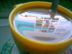 a cup of photos (THE SHOW MUST GO ON) Tags: desktop cup colors images explore coffe colori riflessi caffe tazza reflexes immagini ultimateshot