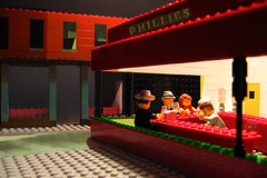 copia d'arte Lego - Nighthawks - Nottambuli - Homage a Edward Hopper (udronotto) Tags: italy woman man art bar night
