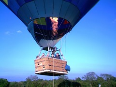 IMAG0228 (yxxxx2003) Tags: new blue red hot green air baloon ballon balloon milton keynes mk yello 2007 balon olney hotairballon yxxxx