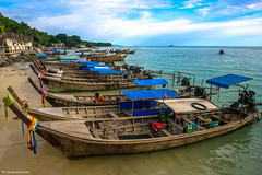 Koh Phi Phi Don bay (xnir) Tags: trip travel thailand boats bay israel photo scenery best explore siam ישראל deniro nir צילום ניר kohphiphidon benyosef wwwxnircom xnir בןיוסף photoxnirgmailcom