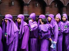 La Carga. (anita gt) Tags: guatemala antigua procession semanasanta guate holyweek cucuruchos procesin antiguaguatemala