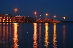 Helsinki Moonrise (nirgal) Tags: ocean 2005 moon night port finland square geotagged helsinki market august baltic