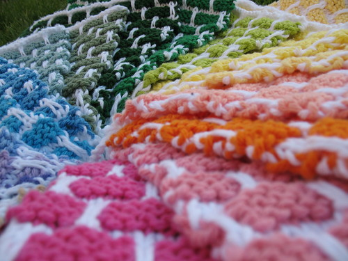 Dishcloth Rainbow, up close and personal