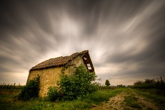 a good wine (Mace2000) Tags: longexposure house abandoned nature clouds germany landscape deutschland 350d book daylight vineyard movement flickr wine decay natur wolken hours 24 landschaft 3000v cloudjunkie hdr wein weinberg rheinlandpfalz langzeitbelichtung may5th ndfilter 1000v rhinelandpalatinate 2000v mace2000 graufilter countryscenery 24hoursofflickr 2img2334