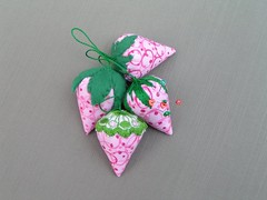 clustered strawberries (kitkabbit) Tags: pink green strawberry handmade felt swap pincushion etsy craftster
