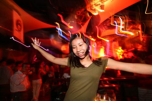yueh yee dancing