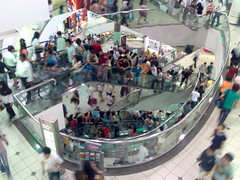 Tampines Mall Crowd by xcode on flickr