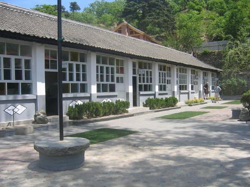 schoolhouse_2