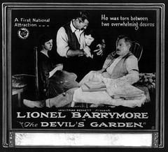 Anglų lietuvių žodynas. Žodis lionel barrymore reiškia lionelis barrymore lietuviškai.